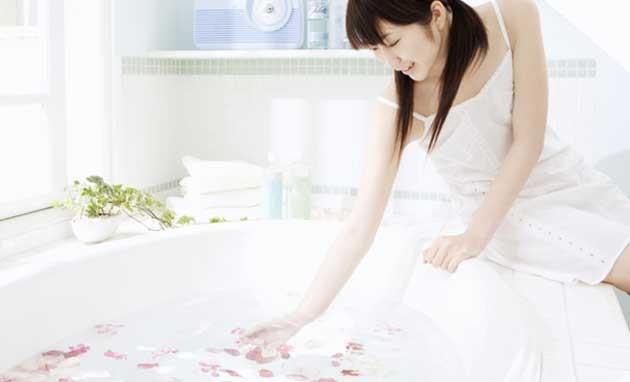 シャワーでお湯を張ると冷めにくい!?
