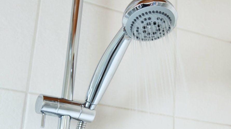 意外と知らない!シャワーヘッドとシャワーホースのお手入れと交換方法